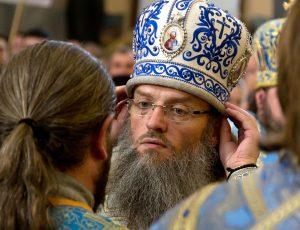 архиепископ Запорожский и Мелитопольский владыка Лука в Покровском соборе