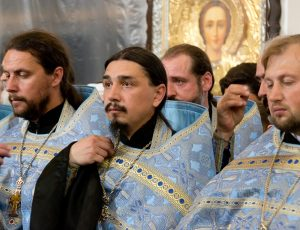 Молебен в Покровском соборе г Запорожья