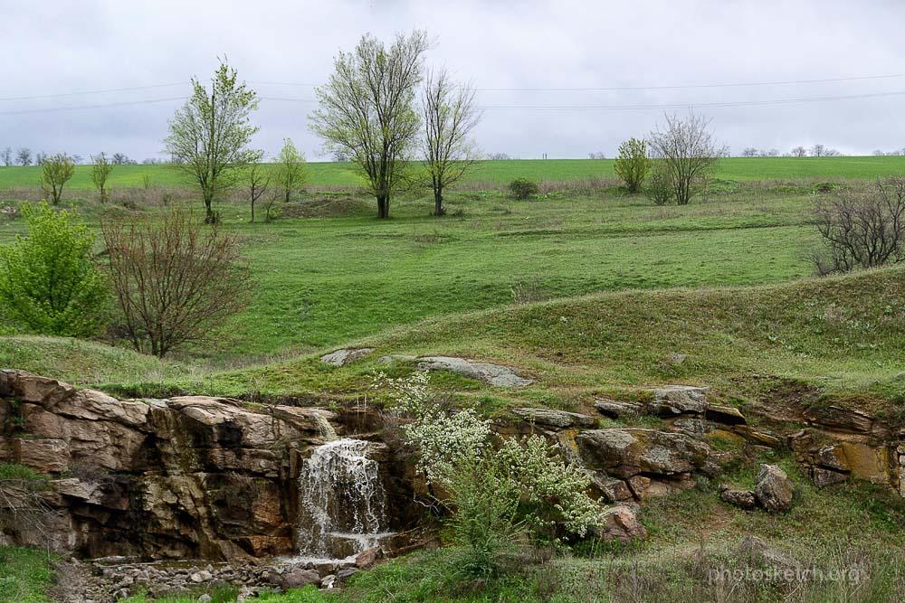 Урочищес водным каскадом у села Дружелбовка