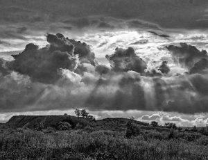 лучи через облака