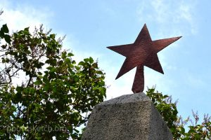 zvezda-na-pamyatnike
