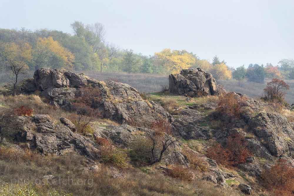 гранитные скалы в урочище Вырва