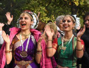 Ратха- Ятра, очень почитаемый праздник в индуизме. Еще его называют праздником колесниц. Родина праздника конечно Индия. Ну а в Запорожье его традиционно устраивает местная община международного общества сознания Кришны