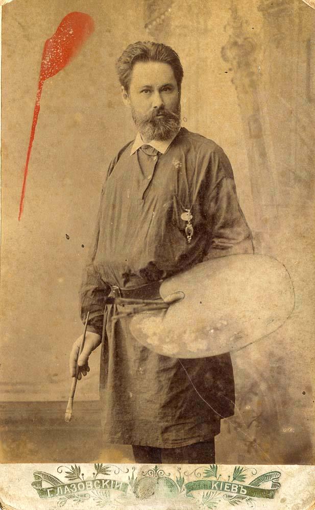 Владимир Дмитриевич Сонин оставил преподавание в Лаврской иконописной школе и уже в 1910 году предоставил Петру Головачеву эскизы, часть из которых сохранилась в фондах Киево-Печерской Лавры.